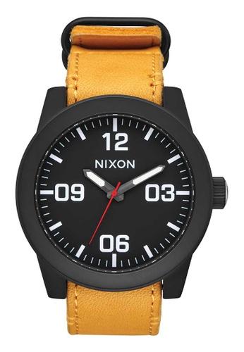 Nixon gold Corporal Leather 48mm - All Black/Goldenrod (A2432448) NI919AC0WF7VID_1