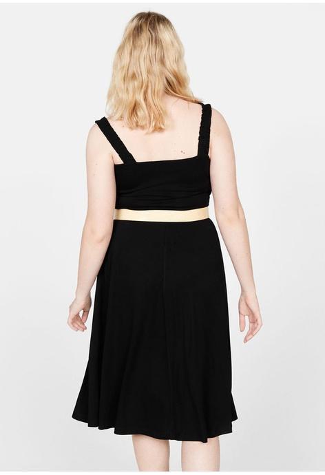 1d58b203a3c Buy PLUS SIZE Clothes Online | ZALORA Malaysia & Brunei