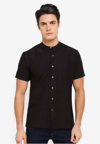 ZALORA black Grandad Collar Short Sleeve Shirt in Contrast Button 2CE01AA8E62ADCGS_1