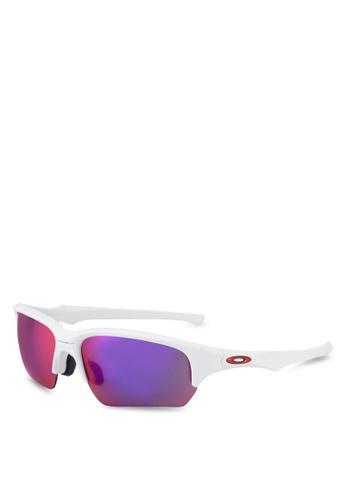 Oakley white Sports Performance Sunglasses OA636GL83ENCMY_1