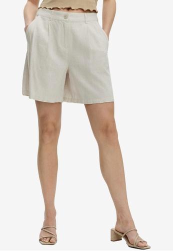 Vero Moda beige Vayda Pleat Shorts A2D70AA2A5D78AGS_1