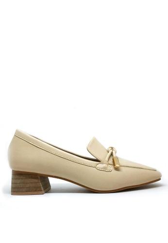 Twenty Eight Shoes beige Low Heel Loafers 2018-16 760C3SHC519397GS_1
