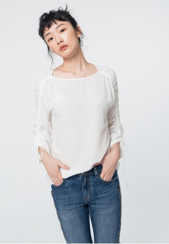 iROO white Gathered Blouse 5BF93AA972F342GS_1