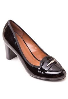 Closed Heels