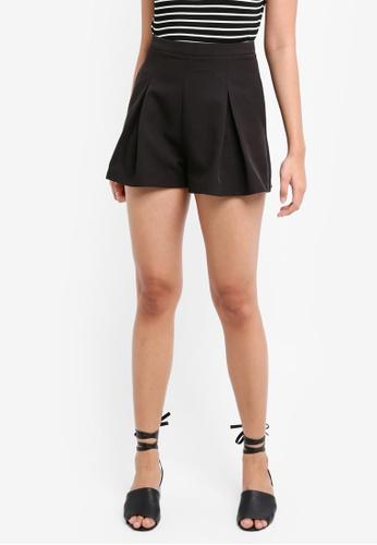 Something Borrowed black Pleated Flare Shorts 13288AA604DF1AGS_1