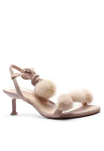 Twenty Eight Shoes 毛毛球交叉幼帶高踭涼鞋365-50 B7C0ESHC848288GS_1