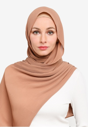 UMMA brown Yara Pleated Scarf in Cookie F68A8AA1D70952GS_1