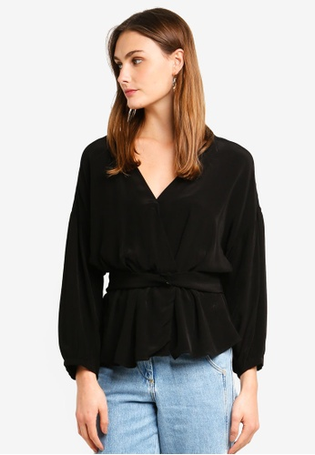 bace879249f4 Buy Vero Moda Lexi 7 8 V-Neck Top Online on ZALORA Singapore