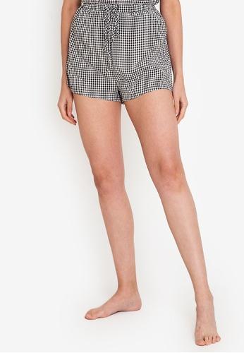 ZALORA BASICS black and multi Lounge Drawstring Pyjama Shorts 46875AAE0ECD18GS_1