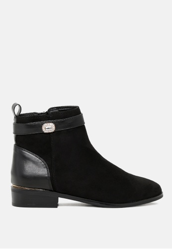 London Rag 黑色 皮带和闪亮的钻石扣修饰鞋领口外围,仿麂皮短靴 SH1781 A3B26SH8F9B7D9GS_1