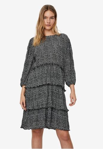Vero Moda black Clea 3/4 Short Flower Dress 8B527AAABAC73EGS_1