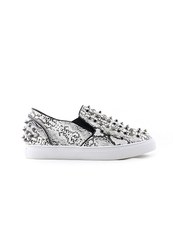 Te Chi-Chi black and white Studded Slips On Shoes TE125SH77RESMY_1