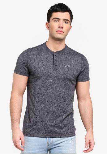 da4d8f2fa2a Hollister black Short Sleeve Henley T-Shirt 50777AA3C09A8AGS 1