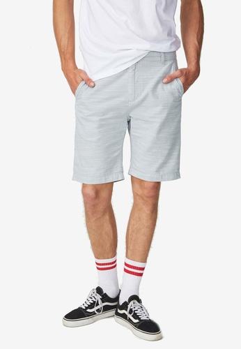 Cotton On 白色 and 藍色 水洗休閒短褲 83C46AA4626919GS_1