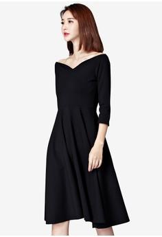 一字領修腰黑色大擺連身裙