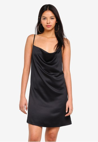 MISSGUIDED black Satin Back Crepe Strappy Cowl Shift Dress E9574AA69A1320GS_1