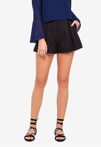 Something Borrowed black Pleated Flare Shorts DCE89AA4E85CA5GS_1