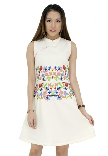 MOONRIVER beige Carrie Embroidery Dress in Oriental Style - Limited Collection MO886AA38CTHSG_1
