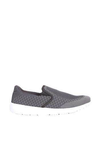 World Balance grey Colbie Men's Slip On Sneakers 20AB2SH27FBCA4GS_1