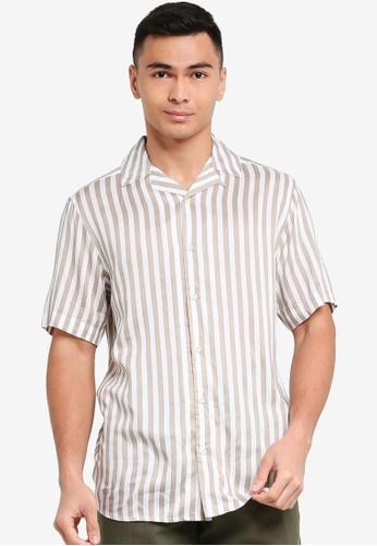 Only & Sons brown Wayne Short Sleeve Viscose Shirt 0CA4FAA94223E1GS_1