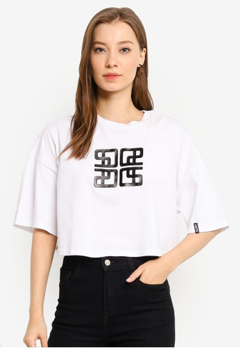 SUPERDRY white City Oversized Crop Tee 1FDEEAA7DBE236GS_1