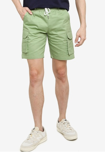 ZALORA BASICS 綠色 Cargo Casual Shorts 2DBDAAAFC7538CGS_1