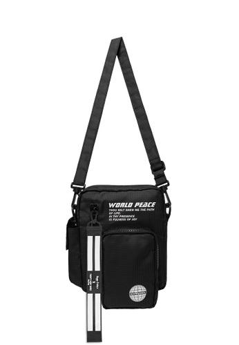 Twenty Eight Shoes Street Wear Functional Sling Bag 225AI2019 251D0AC336C7F6GS_1