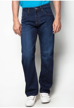 Mid waist, Slightly Tapered Denim Pants