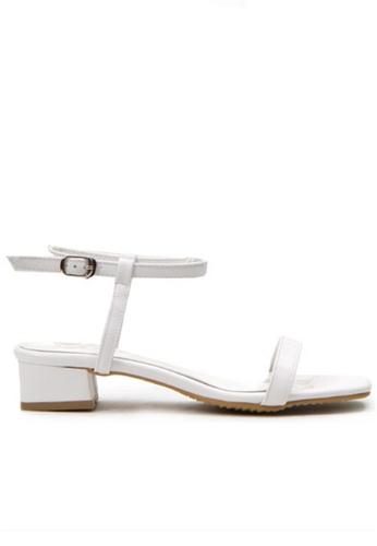 Crystal Korea Fashion white Korean Summer Versatile Comfortable Flat Sandals 5BAF9SH2BD9502GS_1