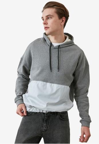 Trendyol grey Color Block Pocket Hoodie D9CD2AAA6FBACFGS_1