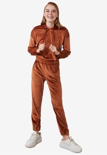 Trendyol orange Velvet Hoodie Top-Bottom Set FD17AAA5CE2F99GS_1