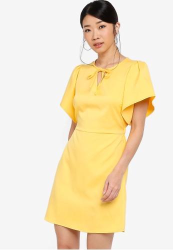 Something Borrowed 黃色 喇叭袖修身喇叭裙洋裝 19EE0AAD5BC61BGS_1