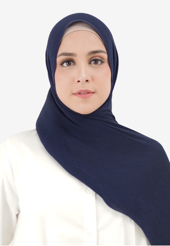 Buttonscarves navy Buttonscarves Everyday Pleated Shawl Navy AA661AA39998E2GS_1