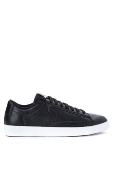 official photos 2cc29 082ff Nike. Womens Nike Blazer Low LE Basketball Shoes