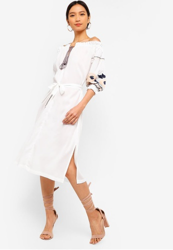 ZALORA beige Off Shoulder Balloon Sleeves Embroidered Dress 25525AAD6072E5GS_1