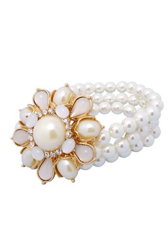 Jaysa Collection white Majestic Flower Pearl Ornamental Bracelet JA875AC0GYCASG_1
