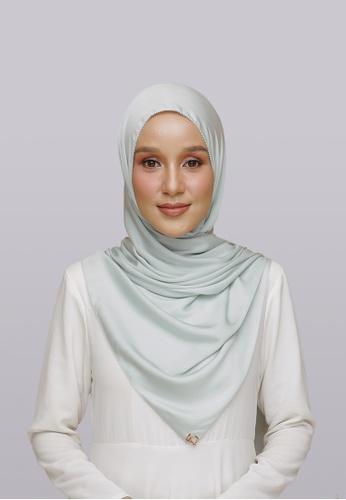 Lady Qomash green Batcha Eyelash Shawl in Coolz 4ACB8AA109C85CGS_1