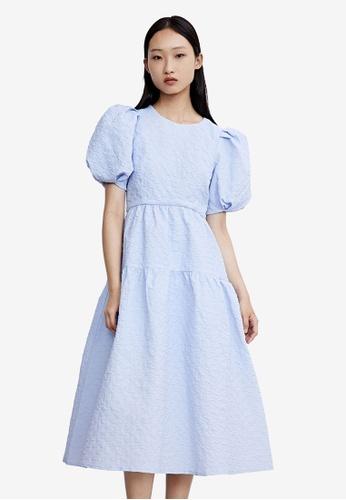 URBAN REVIVO blue Crinkle Flare Dress 46CF0AAEF89489GS_1