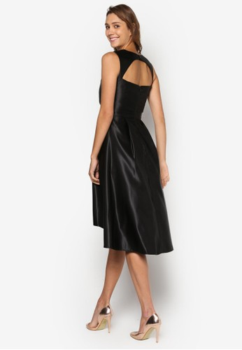 Luxe: 不合錯誤稱傘擺露背洋裝、 服飾、 洋裝DorothyPerkinsLuxe:不合錯誤稱傘擺露背洋裝最新折價