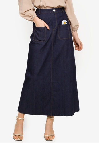 Lubna navy Denim Skirt With Embroidered Patch 6DD87AA34DE212GS_1