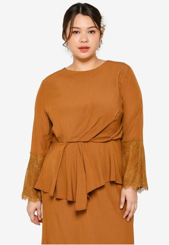 Lubna brown Plus Size Draped Sleeve Lace Top A9897AA6B88B8CGS_1