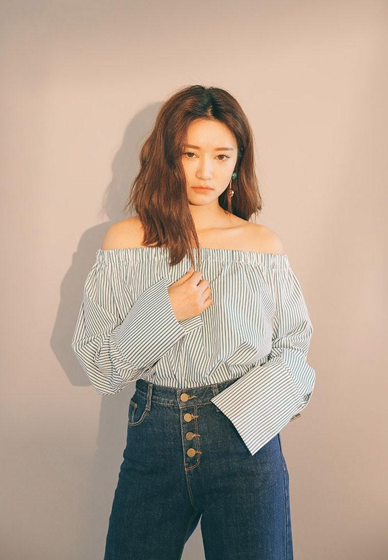 Korean Fashion Stripe Off Shoulder Top