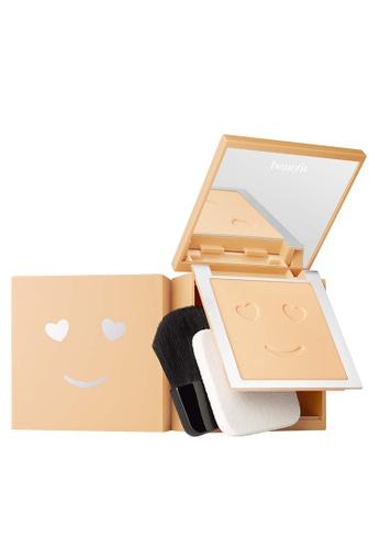 Benefit beige Hello Happy Velvet Powder Foundation Shade 02 02C5CBE7EDB81AGS_1