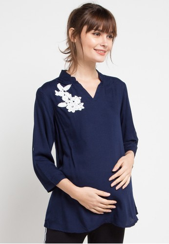 La Karina navy Maternity Rayon Blouse With White Flower Applique B7A4FAA5D42822GS_1