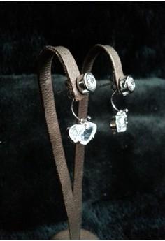 simple stud earring