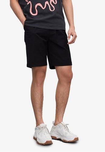 URBAN REVIVO black Trendy Drawstring Shorts 90793AA35EE59AGS_1