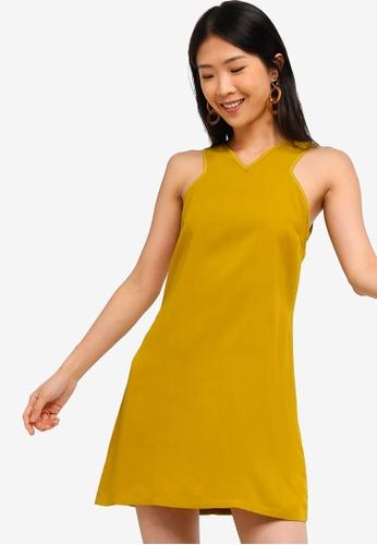 ZALORA BASICS yellow Basic Cross Front Dress 0C323AAADDB24BGS_1