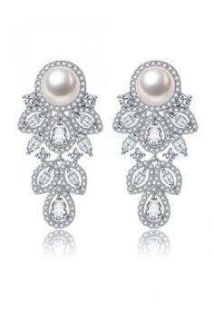 Holler Dangling Earrings