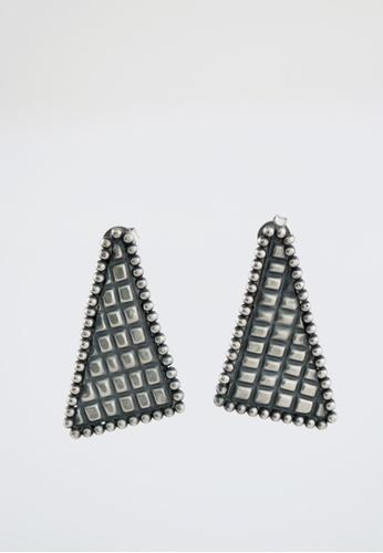 Aadyaa Singapore silver Itihaas Right Triangle Earrings 59677AC3AD86B0GS_1