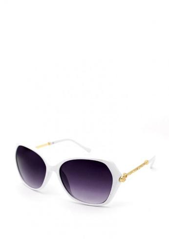 Peculiar and Odd white Premium Oversized 4225 Sunglasses Gradient Lens 828D5GL5CED5E3GS_1